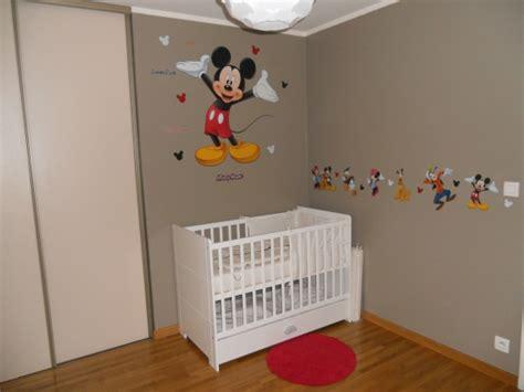 deco chambre mickey chambre thème mickey chambre de bébé forum