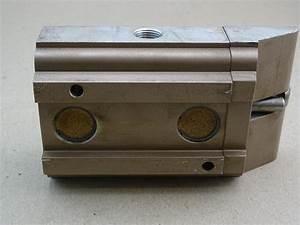 Schrader Division Manual Valve Air Press 3  8 U0026quot   3321kh