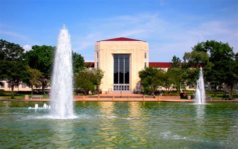 Why I'm Proud To Attend The University Of Houston