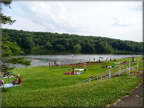 Paddle Boat Rental Moraine State Park by Moraine State Park Pictures To Pin On