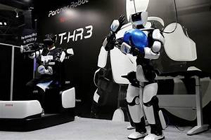 Hr 3 Online : photos toyota showcases third generation humanoid robot t hr3 that mirrors user see pictures ~ Watch28wear.com Haus und Dekorationen