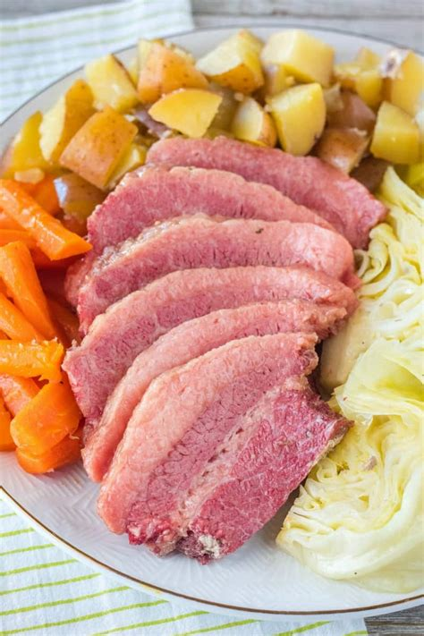 You'll have supper on the table in no time. Corned Beef and Cabbage • Bread Booze Bacon