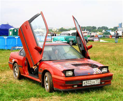 Cars With Scissor Doors : Car Mods That Grads Of Car Mechanics Training Know Are Risky