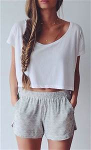 Crop Top Outfits-25 Cute Ways to Wear Crop Tops This Season