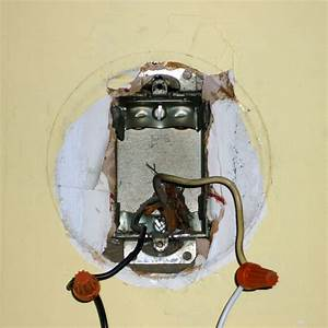 How to install wall light fixture box how to install a for Install bathroom light fixture no junction box