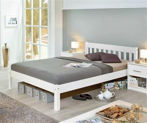 140 X 200 Cm by Preiswertes Bett Aus Wei 223 Er Kiefer Z B In 140x200 Cm Genf