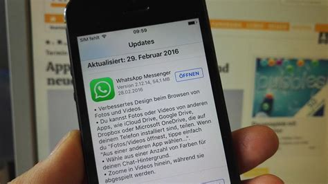 Whatsapp allows users to send and recieve messages, photos, and other information and is considered an alternative to text messages or sms. WhatsApp-Störung: Massive Probleme mit dem Messenger
