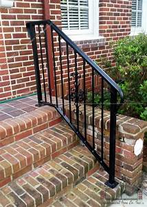http://www southeasternornamental com/front-step-railing