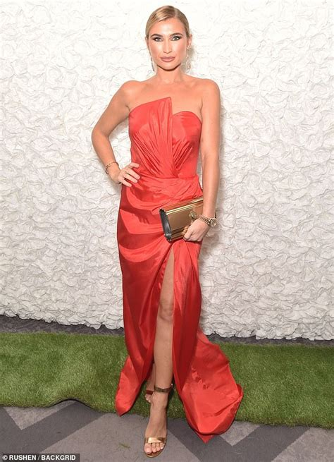 Hypeauditor report on billiefaiersofficial instagram account of billie shepherd: Billie Faiers exudes glamour in a strapless red satin ...