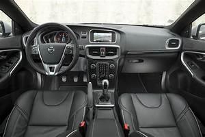 Fiabilité Volvo V40 : essai volvo v40 d3 r design 2016 le test de la v40 restyl e photo 15 l 39 argus ~ Gottalentnigeria.com Avis de Voitures