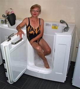 Sitzbadewanne Mit Dusche : sitzbadewannen mit t r und dusche eine gute l sung f r senioren ~ Frokenaadalensverden.com Haus und Dekorationen