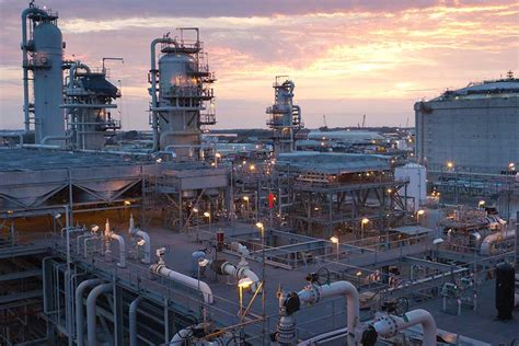 liquefied natural gas industry leader bechtel