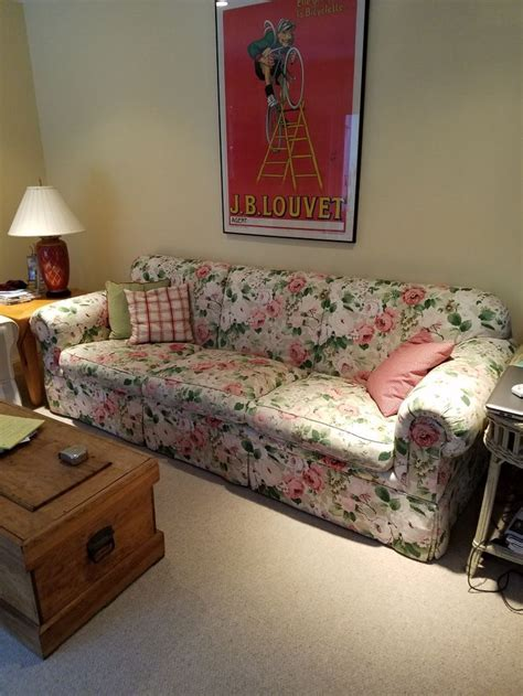 Floral Settee by Best 25 Floral Sofa Ideas On Floral