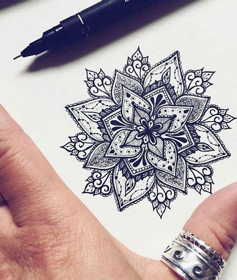 beau modele en dessin pour tatouage mandala tatouage femme