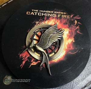 New Mockingjay Pin for 'Catching Fire' revealed! - The ...