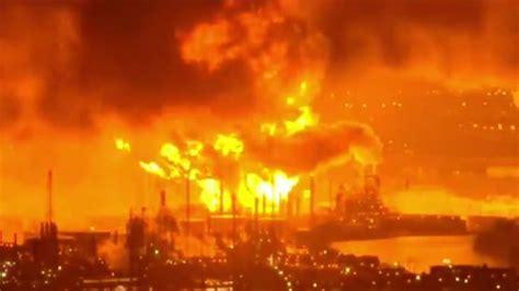 philadelphia fire huge blaze engulfs city refinery east