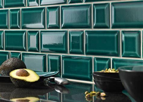 cuisine contemporaine photos carrelage métro dans la cuisine une décoration tendance