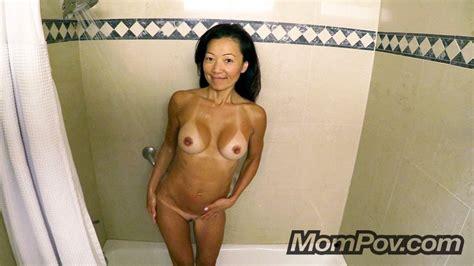 Sexy chinese milf