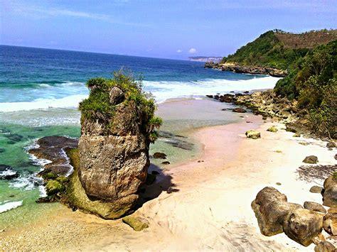 pantai wisata  tulungagung  indah  dikunjungi