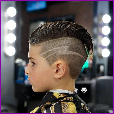 Dessin Coupe De Cheveux Homme 201 L 233 Gant Coiffure Petit Garcon Avec Dessin Image De Coiffures Id 233 Es 183941 Coiffure Garcon Des