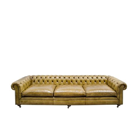 canapé chesterfield vintage canapé chesterfield en cuir vintage couleur camel marron clair