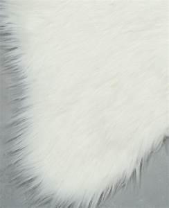 tapis fausse fourrure ecru 955094765a09 pimkie With tapis en fourrure
