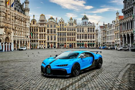 Bugatti has added the pur sport model to the chiron lineup for 2021. Bugatti Chiron Spur Sport debuts in the European capital ⋆ Sellatease Blog