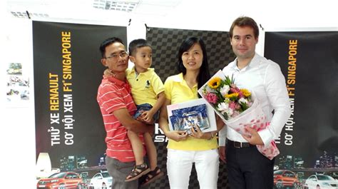 renault vietnam renault vietnam trao giải chuyến đi xem f1 tại singapore