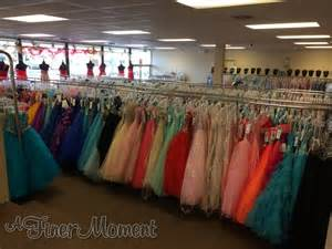 21 thoughts you have while dress shopping
