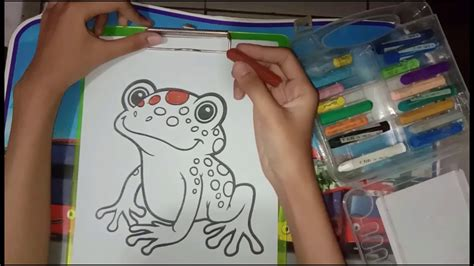 cara mewarnai gradasi menggunakan crayon pada gambar katak