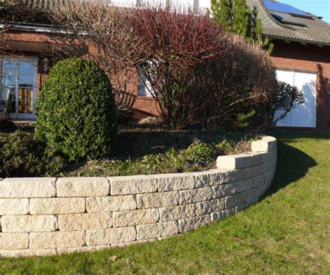 Gartengestaltung Wieneke  Uslar  Referenzen  Mauern Im