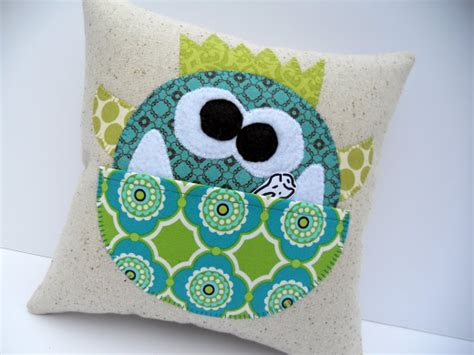 Manfred Tooth Pillow Pattern Is
