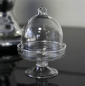 Cloche De Verre : la mini cloche en verre luxe sur pied nos contenants pour dragees ou bonbons ~ Teatrodelosmanantiales.com Idées de Décoration