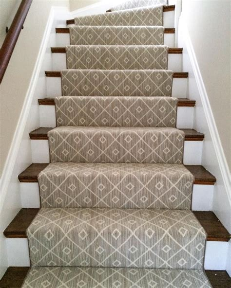 Rugs For Stairs Runners by A Woven 100 Wool Carpet Makes For A Beautiful