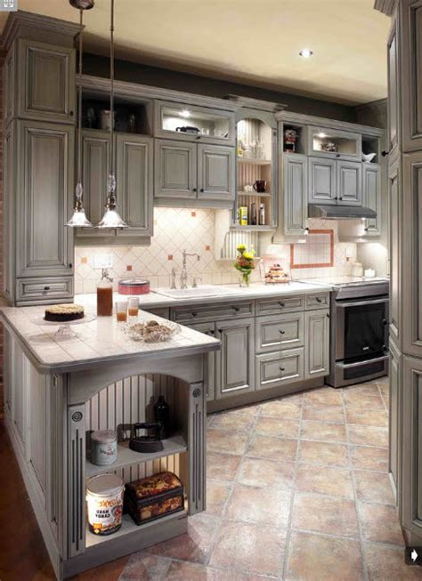 armoire de cuisine style classique créations sylvain