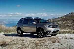 Dacia Duster 2018 Boite Automatique : vid o nouveau duster le suv de dacia s 39 embourgeoise ~ Gottalentnigeria.com Avis de Voitures