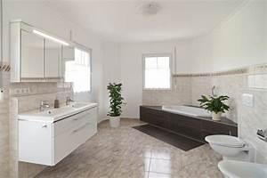 Tapeten Badezimmer Beispiele : b der einrichten beispiele ~ Markanthonyermac.com Haus und Dekorationen