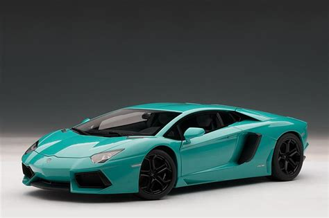 autoart lamborghini aventador lp  turquoise blue