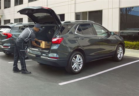 amazon key expands  deliver packages   car