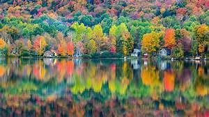 ダウンロード壁紙 1920x1080 秋の美しい風景、森、家、湖、反射 フルHD HDのデスクトップの背景
