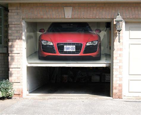 Spaltplatten Garage by Garagen Rolltore Individuelle Gestaltung Mit 3d Wandstickern