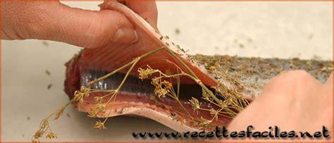 cuisiner une truite au four faire cuire une truite au four en papillotte recette