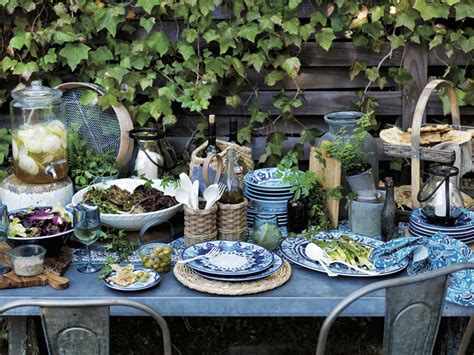 Outdoor Entertaining Tips  Williamssonoma Taste