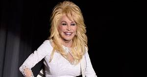 See Dolly Parton And Pentatonix Team Up For Smooth 39Jolene