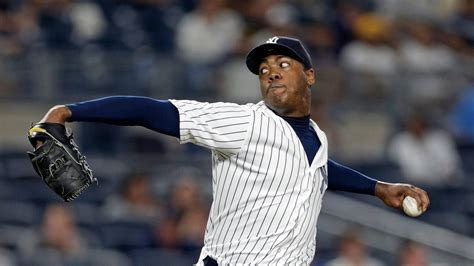 yankees trade  star closer aroldis chapman   cubs   york times