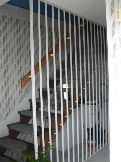 Protection Escalier Bois by Maintien Escalier