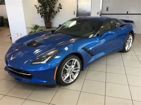 corvette stingray  coupe  laguna blue metallic