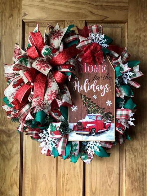 pin  custom pallet signs wreaths   wreaths