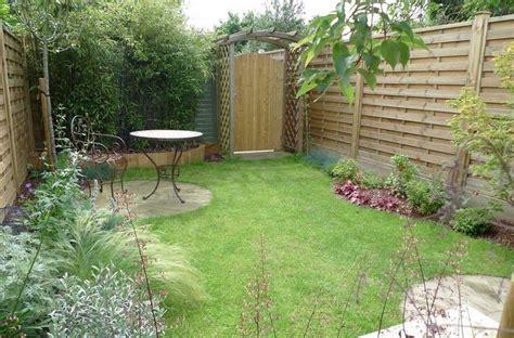 gartenzaun kleingarten gartenzaun sichtschutz 100 wundersch 246 ne gartenmauer