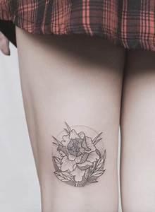 Amazing Thigh Designs 48 Charming Unique Circular Designs Tattooblend